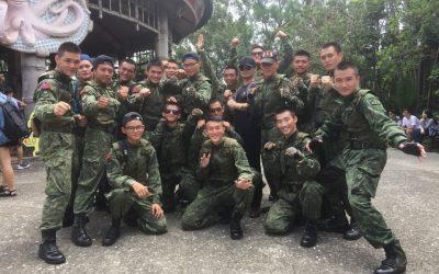 9月3日當天現役軍人著軍服免費暢遊六福村。六福村提供。(記者何能武翻攝)