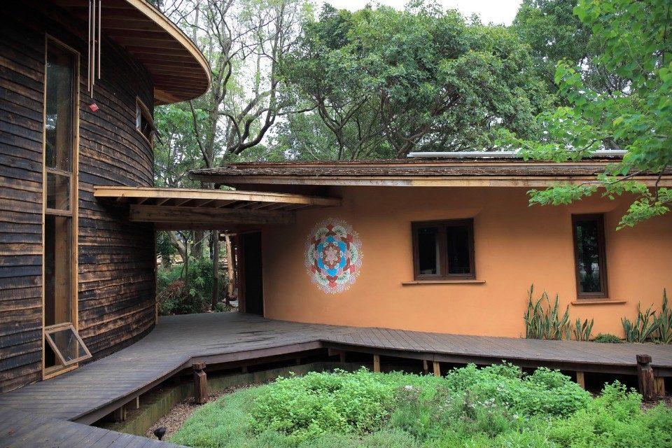 鑽石級低碳認證 后里森林園區「四口之家」永續自然。(記者林俊維翻攝)