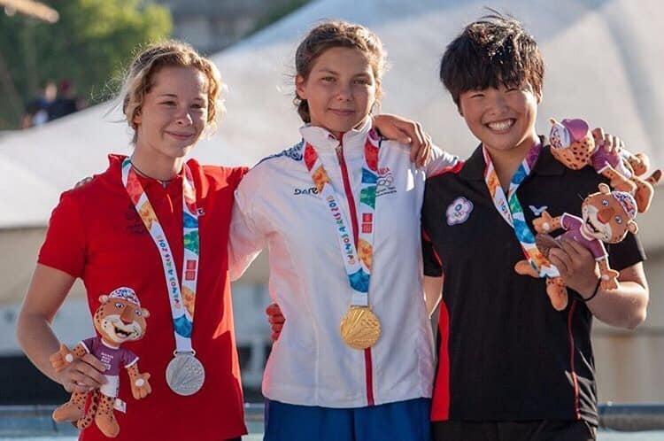 阿根廷青奧 台中選手賴子璇輕艇奪銅。(記者高秋敏翻攝)