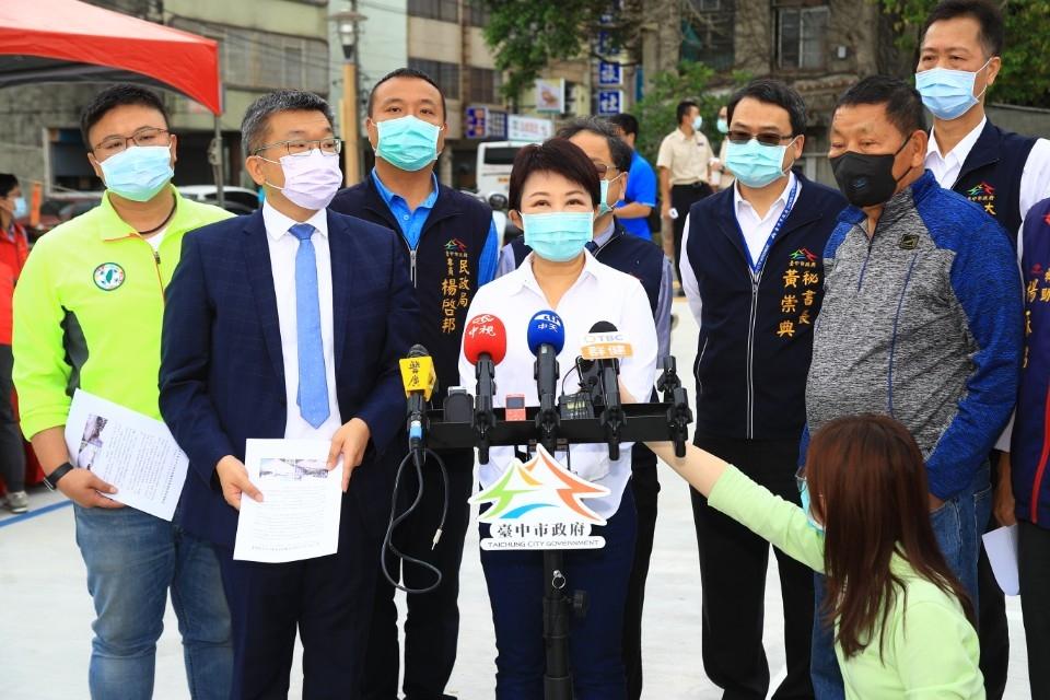 盧秀燕回應北市KTV火警時事議題。(記者劉明福翻攝)