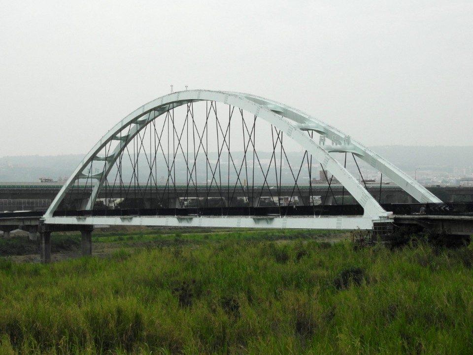 綠美橋五月可開放通行 年底「紅顏」將重現。(記者張光雄翻攝)